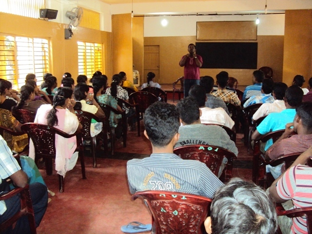 "The Differently Abled youth in ""Inayum Karangal"" programme in Batticaloa"