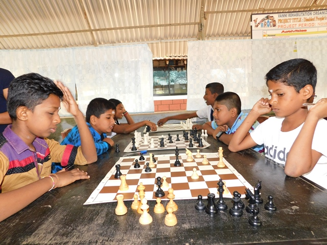 Chess Training for the Students from Two Schools near Pambaimadhu by Experts from Norway